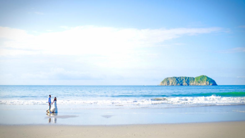 Beach-wedding-El-Parador-Costa-Rica.jpg